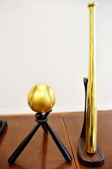 カープ優勝セール 純金バット・ボール