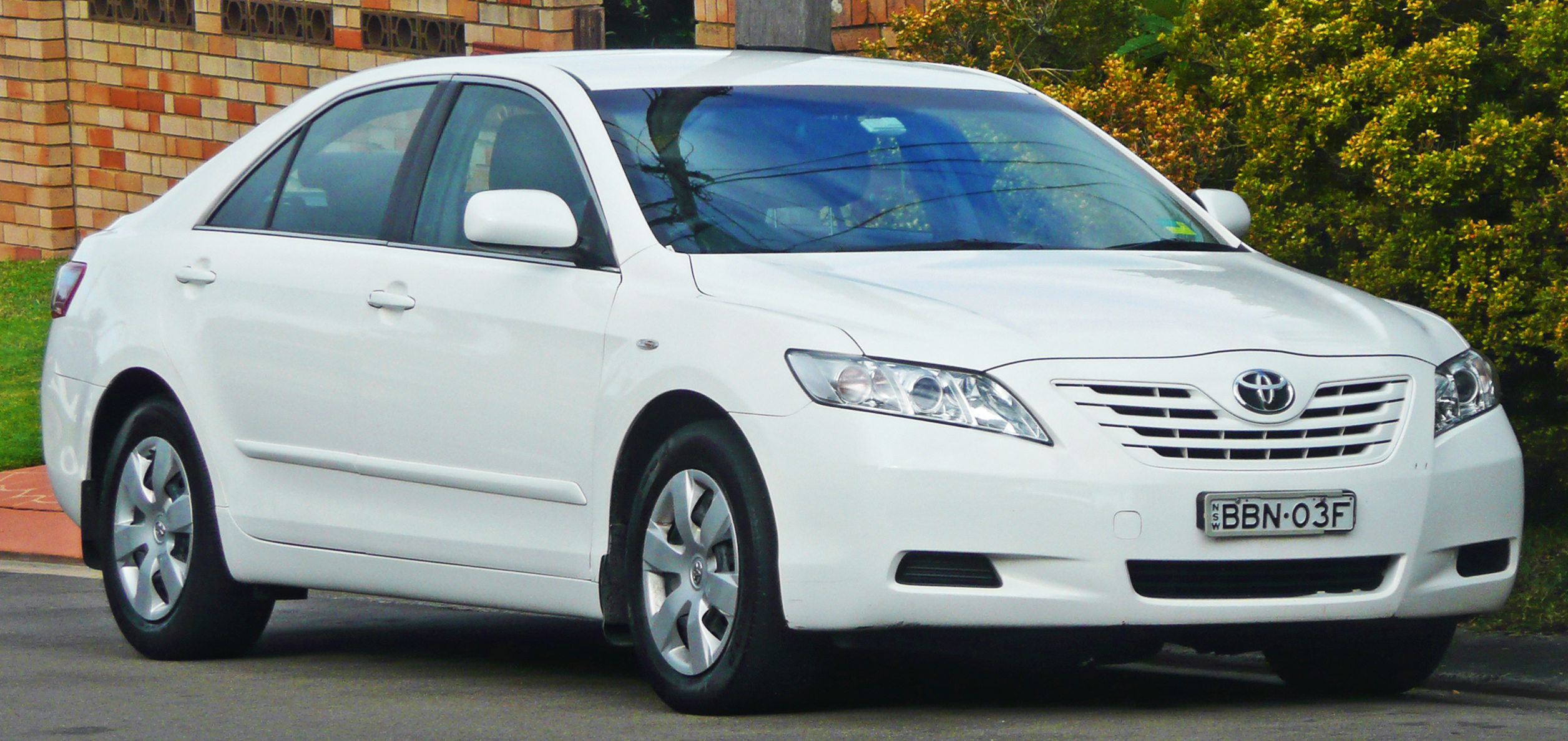 2006-2009_Toyota_Camry_(ACV40R)_Altise_sedan_05.jpg