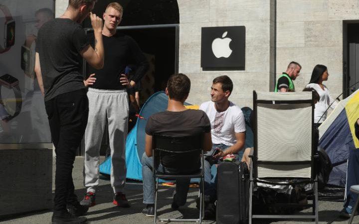 apple-store-germany-large_trans__uiIXdENAMkKn7_B615YUB8KFdtIJcRglMNwbwZNjs14.jpg