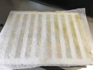汚れた換気扇フィルター