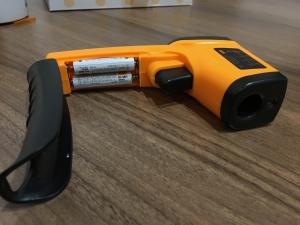 放射温度計の電池