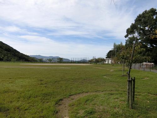 最寄りの・・・片渕公園。