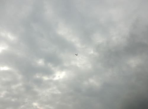 kh-1705、赤い方の飛んでるトコ。その2。