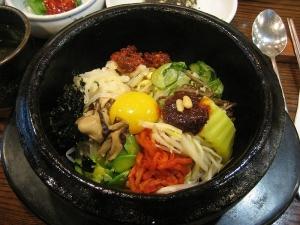 800px-Korean_cuisine-Bibimbap-08.jpg