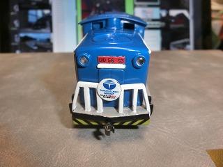 ライトレンズを装着した「岩手開発鉄道DD56-53」