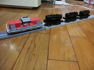 「DD51 1801 A更新塗装車」牽引のタンク列車②