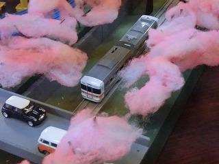 「山北の桜のトンネル」モジュールを走行する車両④