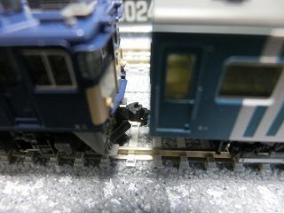 KATOのEF64-1000と連結させた「マヤ34-2002」