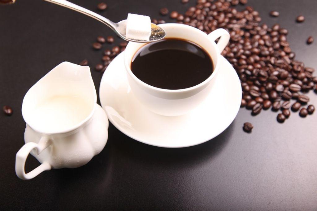 coffee-563797_960_720_1024.jpg
