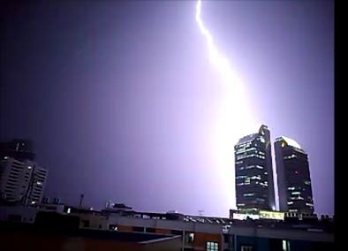 thunder001.jpg
