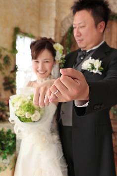 ウエディングフォト婚礼写真結婚k4着白ドレス自然光