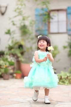 キッズフォト群馬伊勢崎写真展ゆいりちゃん外ガーデンドレス