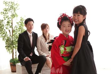 ももかちゃん家族写真自然光伊勢崎