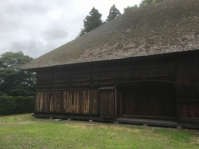 復元代官所の建物(正面西側)