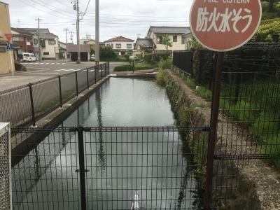 堀跡とされる防火水槽