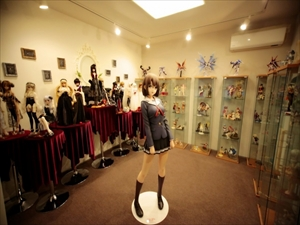【画像】200万円する『冴えカノ』等身大フィギュアの購入者、上級国民だったwww