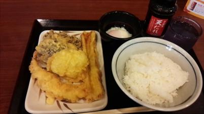 天ぷらとご飯