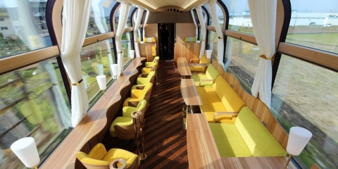 this-incredible-japanese-train-design-will-make-every-commuter-jealous.jpg