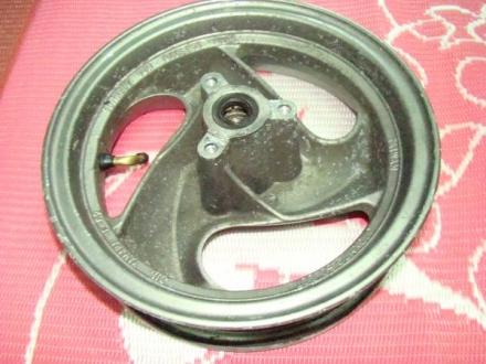 シグナス150(4DH) フロントホイール-2