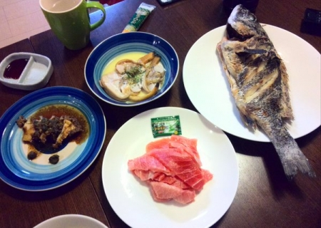 チヌ塩焼き、マグロ刺身、沖アサリバター、アワビ肝バター