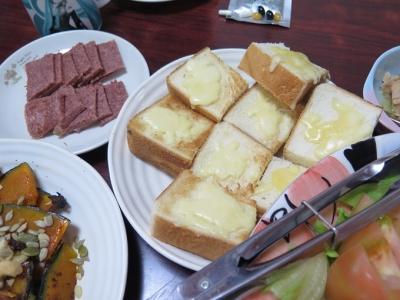 パンとコンビーフ