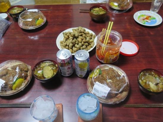 茹で落花生とカツどんとミョウガの味噌汁