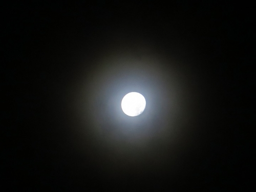 2016年10月18日深夜の月