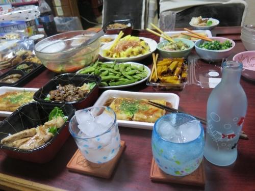 豚丼と花オクラの食卓