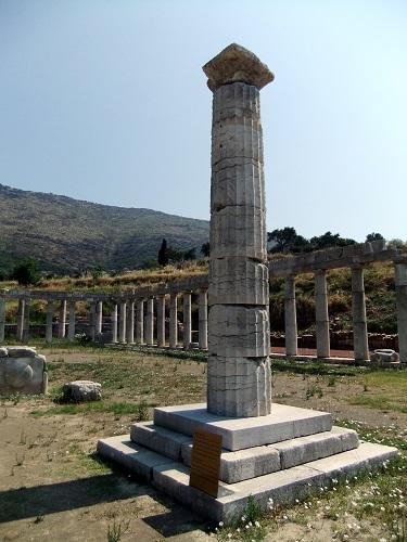古代メッシーニ_円柱記念碑