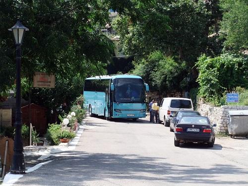カラマタへ戻るバス