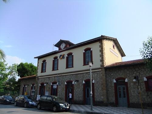 カラマタ駅舎