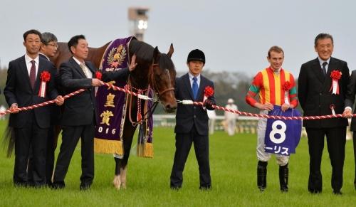 【秋競馬】始まってから重賞で馬連万馬券が1回もないんだけど何なのこれ?堅すぎだろ……