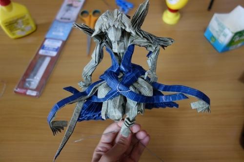 再生紙の剣士台座 (2)