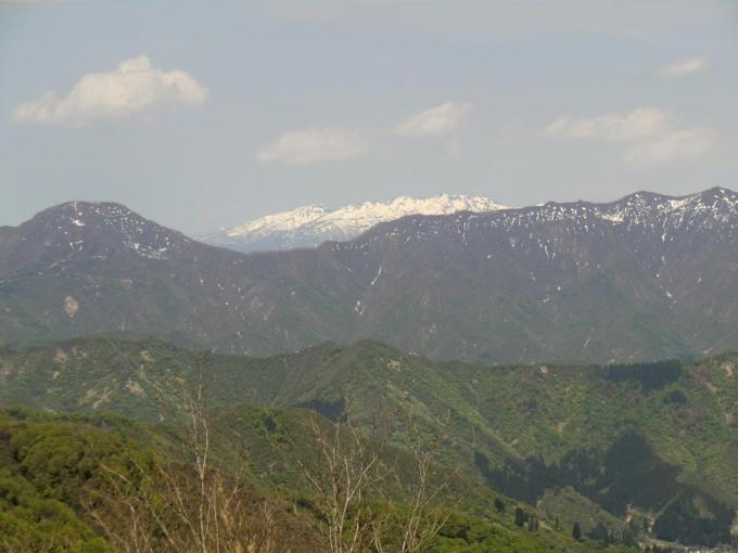 山頂から権現堂山、守門岳、唐松山