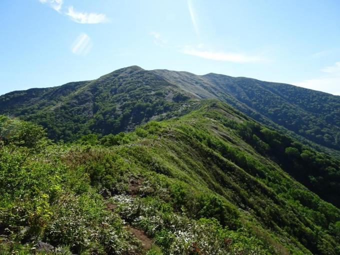松手山から平標山