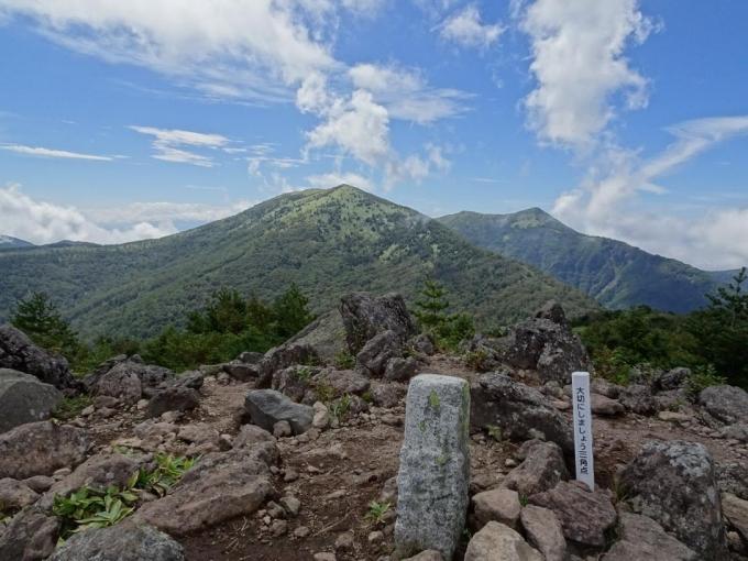 角間山頂から湯の丸山・烏帽子岳