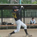 5回表、益田が適時三塁打を放つ
