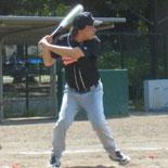 4回裏、伊藤(幸)が三塁線を破る適時二塁打を放つ