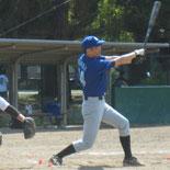 4回裏、益田が適時三塁打を放つ