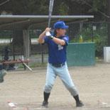 1回表、伊藤(幸)が2点適時二塁打を放つ