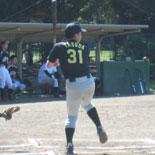 4回表、先頭の安田が安打で出塁