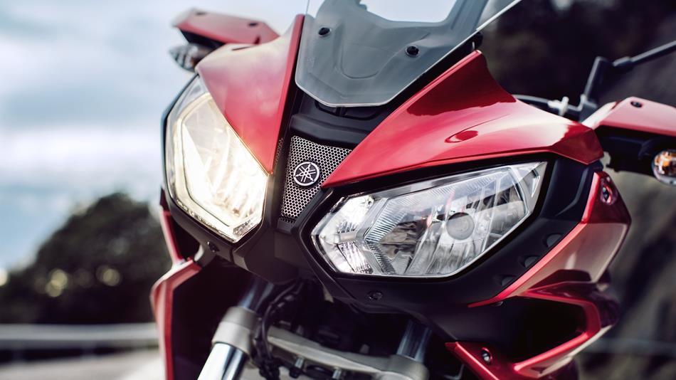 2016-Yamaha-MT07TR-EU-Radical-Red-Detail-007.jpg