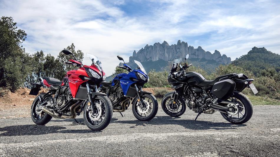 2016-Yamaha-MT07TR-EU-Radical-Red-Static-011.jpg