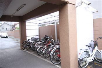 ファミネス梅屋敷駐輪場_R
