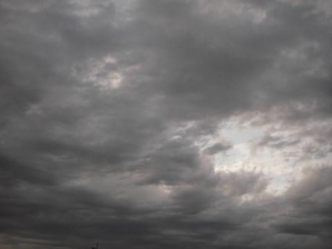 日没前の雲