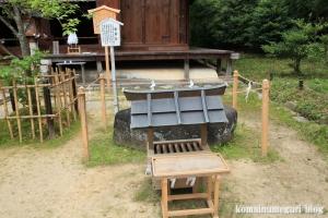 大神(おおみわ)神社(桜井市三輪)84
