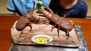 カブトムシ&クワガタムシケーキ