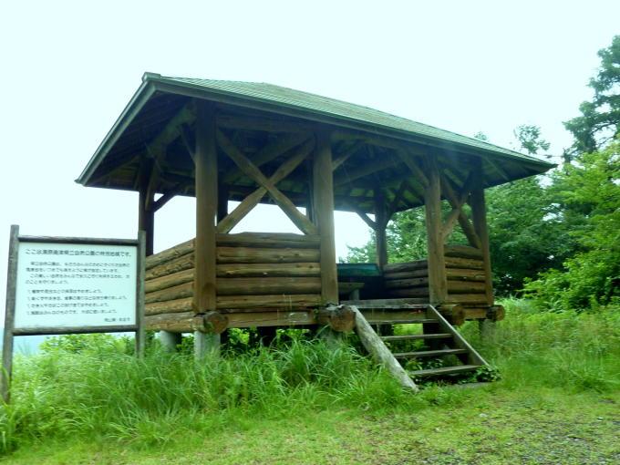 2012年7月津黒中央登山口の東屋