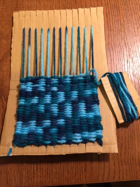 ダンボール編み物