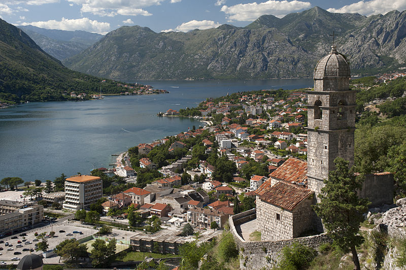 800px-20090719_Crkva_Gospa_od_Zdravlja_Kotor_Bay_Montenegro.jpg